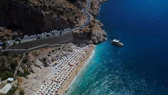 Kaputaş Plajı'na tatilci akını