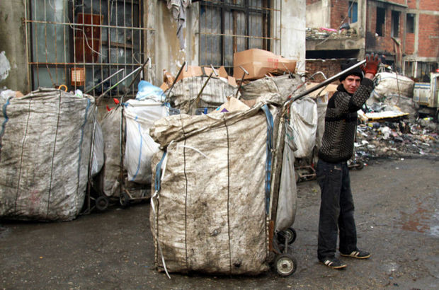 Yüz binlerce kağıt toplayıcısı işsiz kalacak