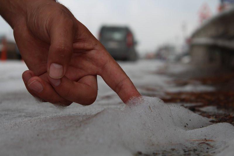 Kocaeli'de yola dökülen sabun köpürdü