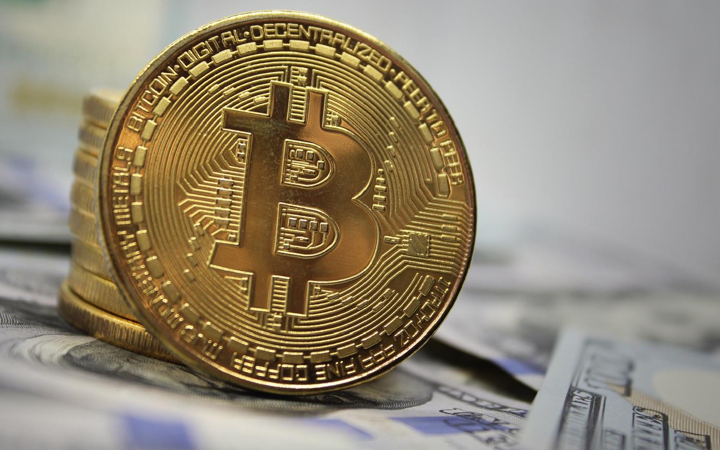 Bitcoin 10 bin doların üzerinde