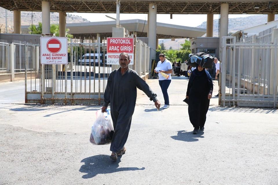 Bayram için ülkelerine giden Suriyelilerin geri dönüşü başladı