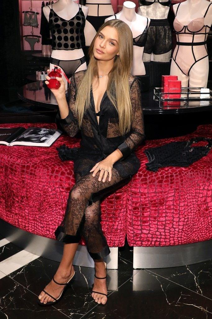 Victoria's Secret'ın yeni koleksiyonu tanıtıldı