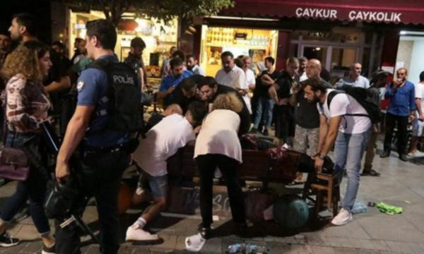 Kadıköy'de kayyum eylemi: 1 kişi bıçaklandı !