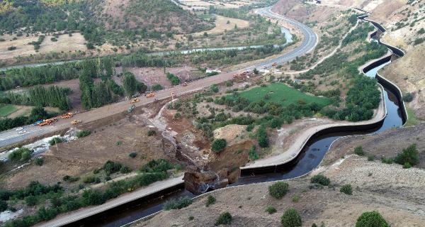 Sivas'ta HES kanalı patladı: Yaralılar var
