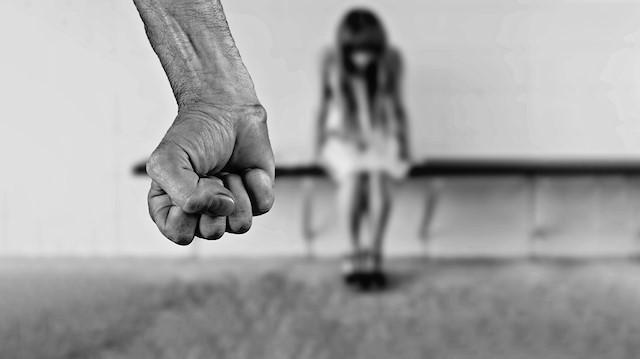 Yeni Akit'te skandal ifadeler: 'Erkek düşmanı marjinal kadın dernekler...''