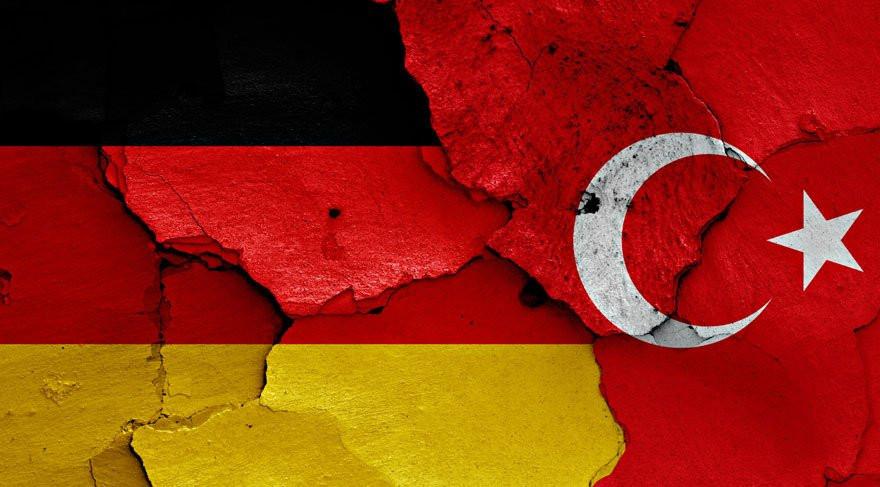 Alman askere Türkiye'den çıkış yasağı verildi !