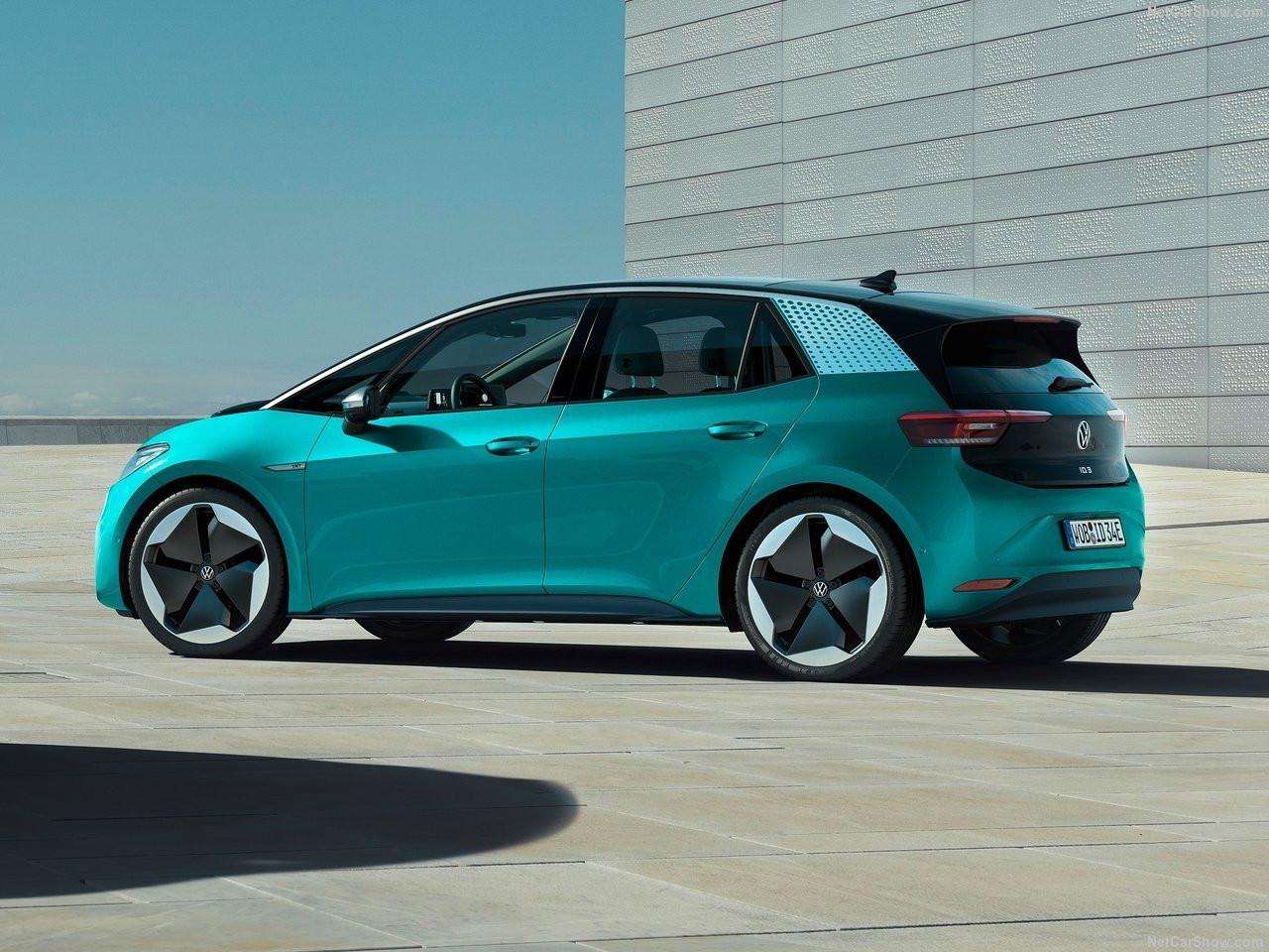 Volkswagen'in yeni otomobili örtüsünü kaldırdı: VW ID.3 1st Edition!