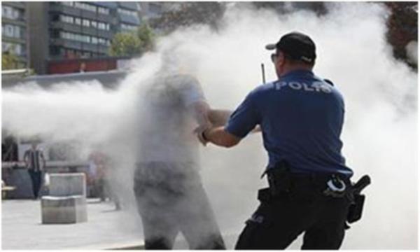 Ekonomik sıkıntılar yüzünden Ankara'nın ortasında kendisini yaktı