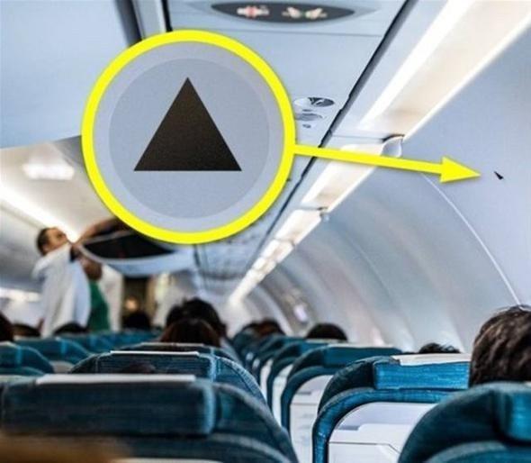 Uçakların penceresindeki küçük delik ne işe yarıyor?