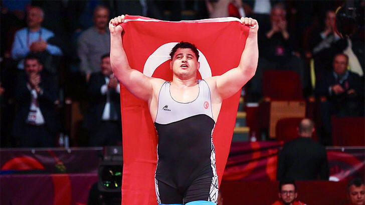 Rıza Kayaalp 4. kez Dünya Şampiyonu oldu