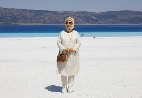 Emine Erdoğan Salda'yı ziyaret etti: Halkımız mutmain olsun