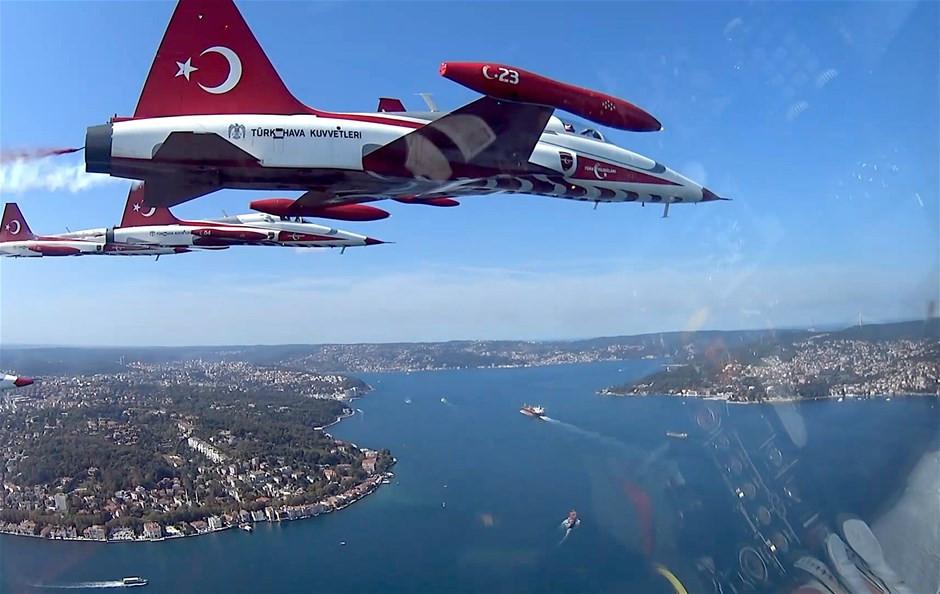 Türk Yıldızları'nın kamerasından İstanbul!