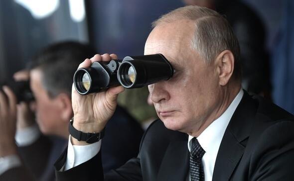 Rusya'da büyük tatbikat! Putin gözünü kırpmadan izledi