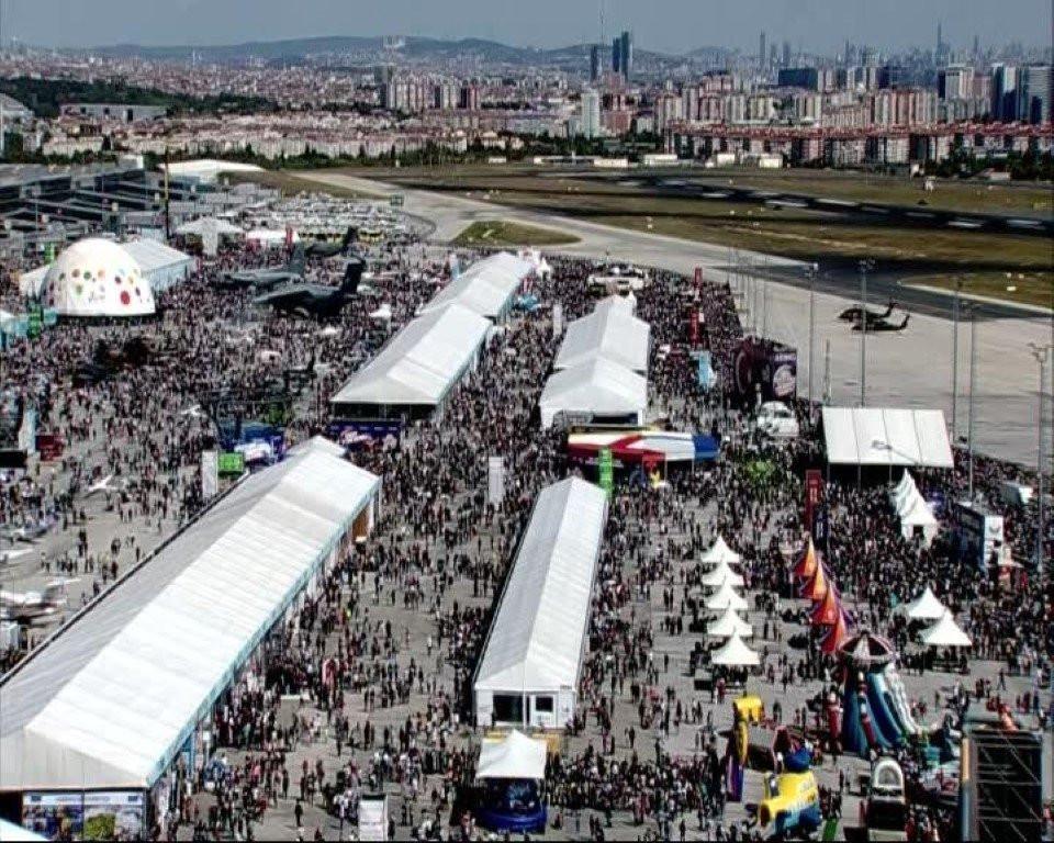 İstanbul'da TEKNOFEST yoğunluğu havadan görüntülendi