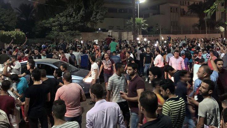 Sisi karşıtı eylemlerde en az 300 kişi gözaltında