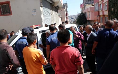 Çocukların kavgasına aileler karıştı: 2 yaralı, 7 gözaltı!