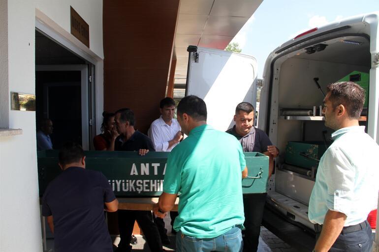 Antalya'da dehşet ! Sinsice kapıyı kırdıktan sonra...