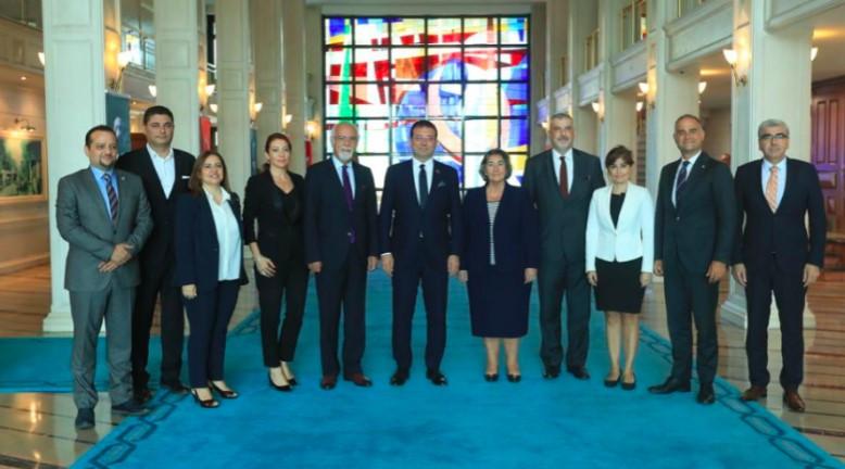 İstanbul Barosu'ndan Ekrem İmamoğlu'na tebrik ziyareti