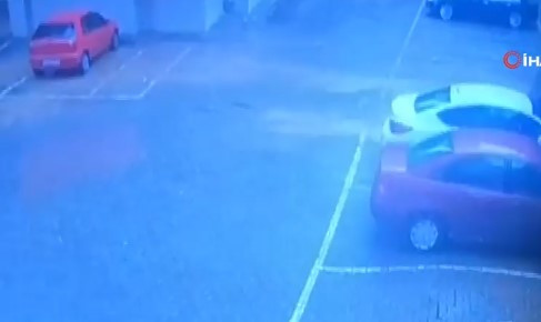 Toprak altında kalan araçlara ulaşılamadı