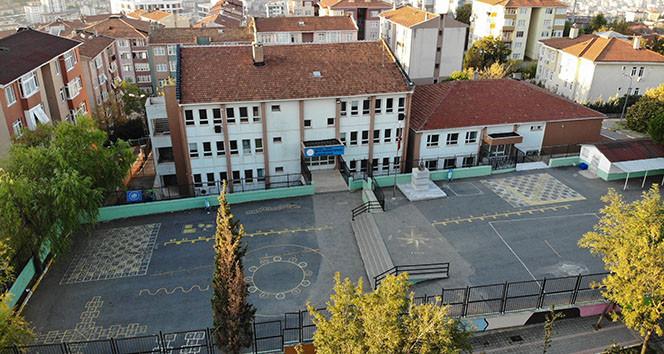 İstanbul'da ağır hasar gören okullar havadan görüntülendi