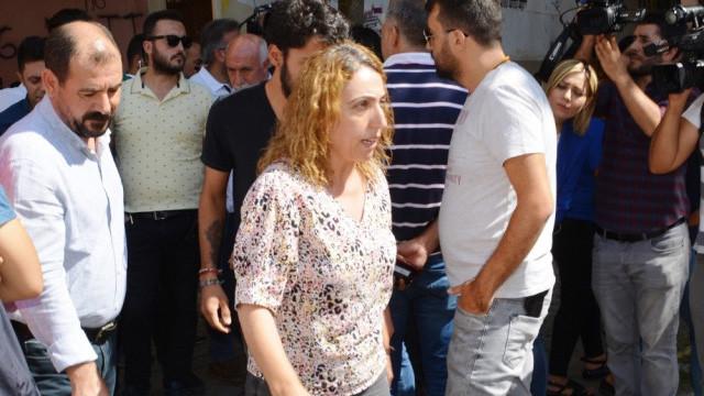 HDP'li vekil selam verdi, ortalık karıştı