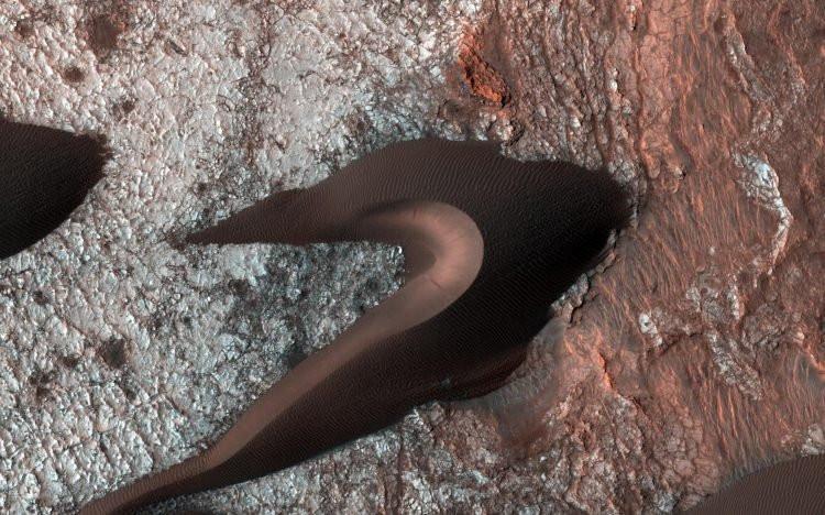 NASA Mars'tan dehşete düşüren görüntüyü ilk kez yayınladı!