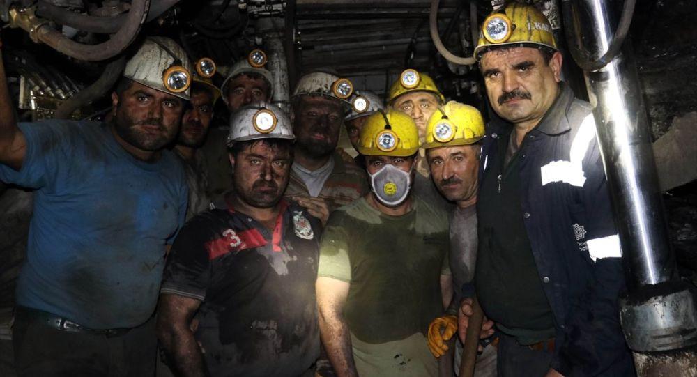 Yeni yıla maden ocağında çalışarak girdiler