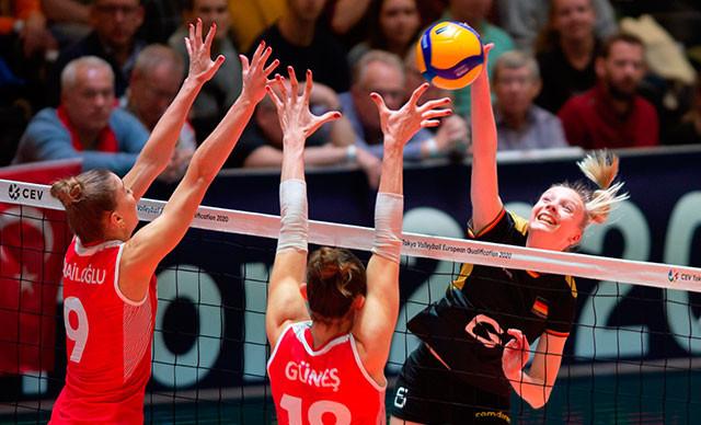 Gururmuzsunuz kızlar! A Milli Kadın Voleybol Takımı, olimpiyatlarda!