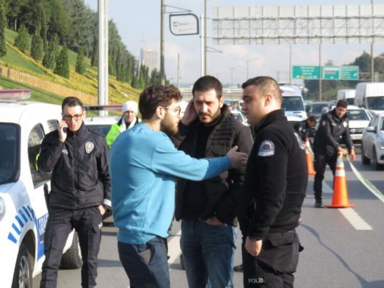 Ataşehir'de yol kavgası ! Tartıştığı sürücüye kurşun yağdırdı