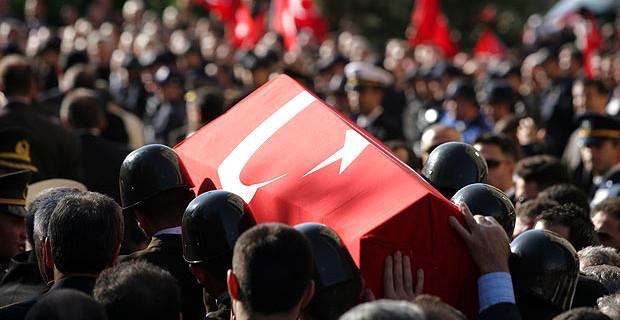 Barış Pınarı'ndan kahreden haber: 3 askerimiz şehit
