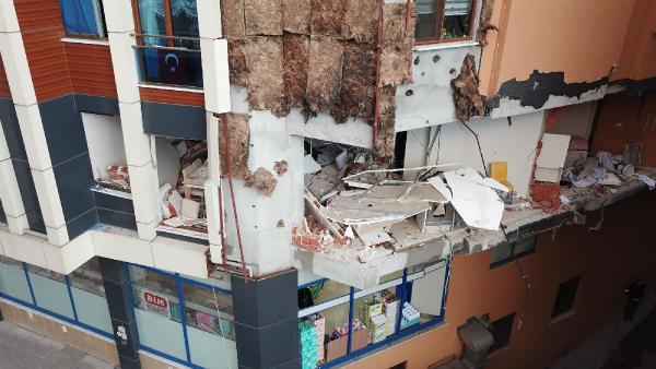 Güngören'de patlamanın verdiği hasar gündüz ortaya çıktı