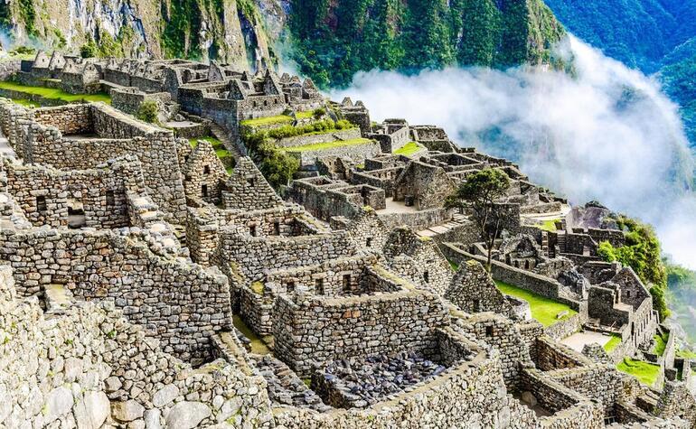Dünyaca ünlü turistik yerde iğrenç olay !