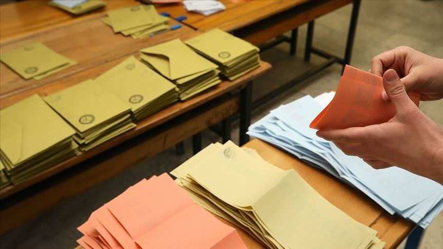 ''MHP'nin %10 oyu, AK Parti'nin %40 oyundan değerli''