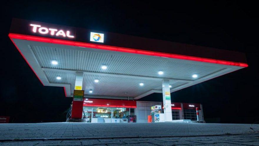 Demirören, Total ve M Oil'i sattı!