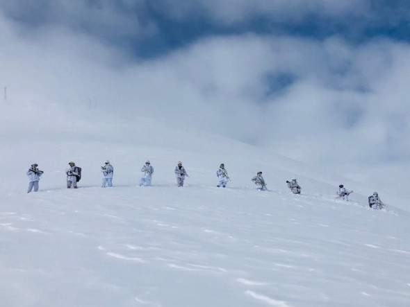 Ne kar, ne soğuk ne de dağlar onları durduramadı!