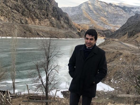 Türkiye'nin en hızlı akan nehri dondu!