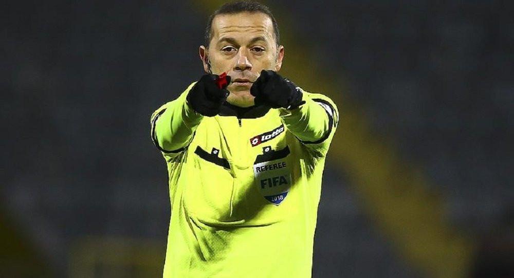 Şok iddia: FIFA Cüneyt Çakır'ın biletini kesti!