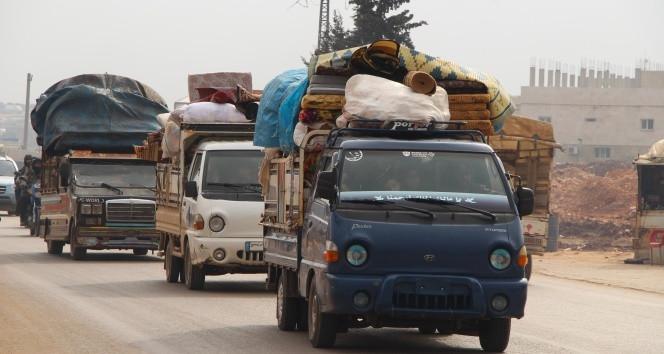 Suriyelilerin Türkiye sınırına göçü sürüyor!