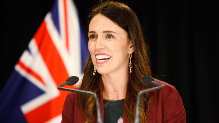 Yeni Zelanda'da bir seçim iki referandum