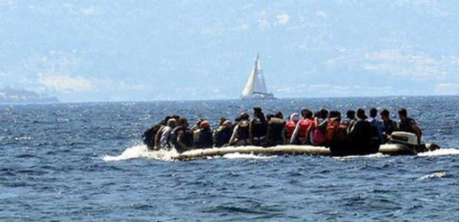 Göçmenleri taşıyan bot battı: 8 ölü