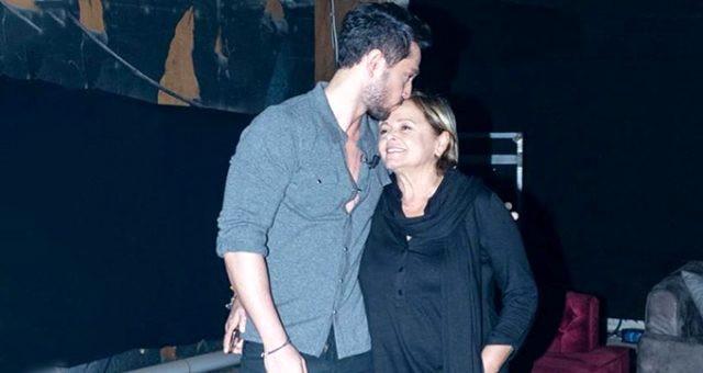 Murat Boz'un annesi uçakta fenalaştı!