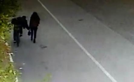 Liseli kıza hayatının şokun yaşattı! O anlar kamerada