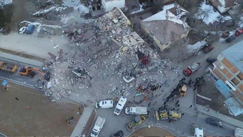Elazığ'a ''maliyeti yüksek'' diye deprem konteyneri alınmamış !