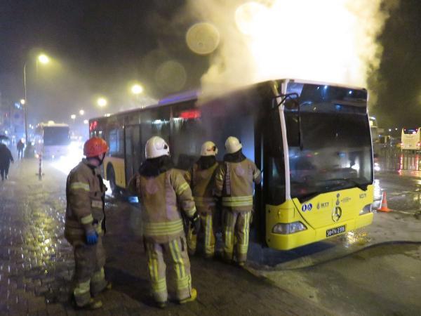 İstanbul'da belediye otobüsünde yangın