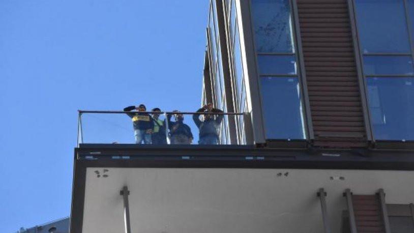 Maaşlarını alamayan inşaat işçilerinden eylem