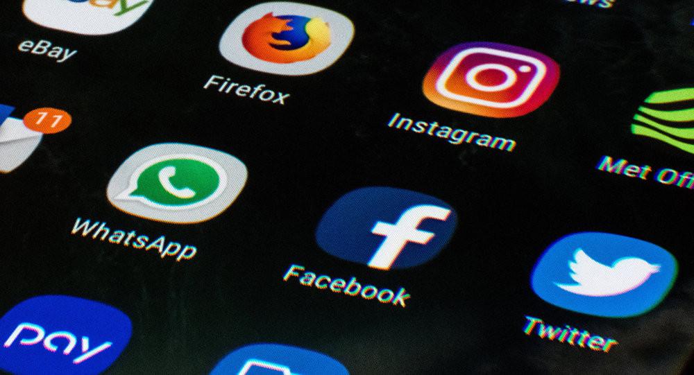 Tartışmalı sosyal medya yasası yürürlüğe girdi