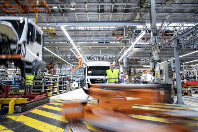 Volkswagen'den flaş karar! Otobüs ve kamyon üretimi Türkiye'de yapılacak