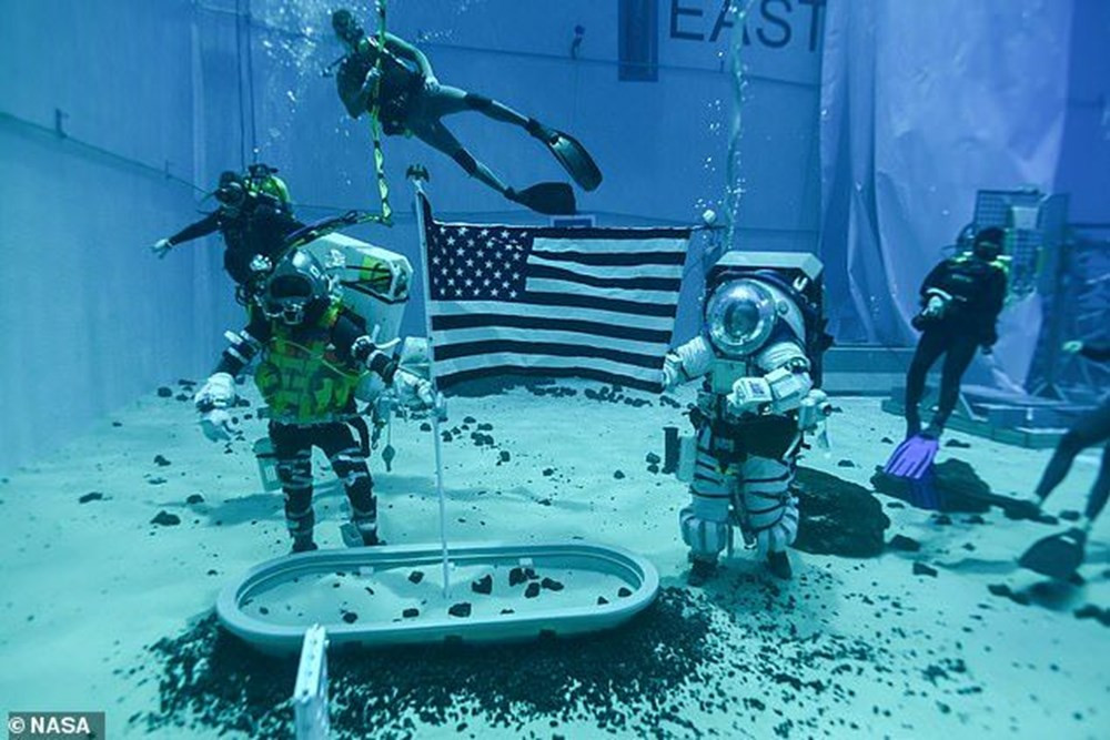 İşte Ay'da kullanılacak astronot kıyafetleri