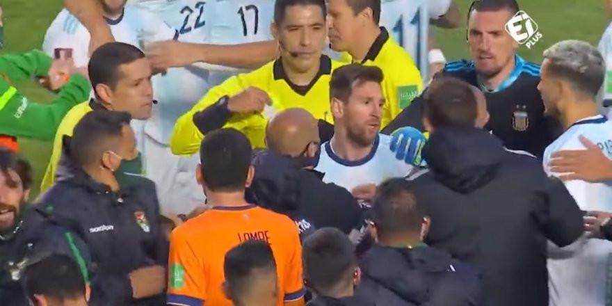 Lionel Messi sinirlerine hakim olamadı! Olay görüntüler