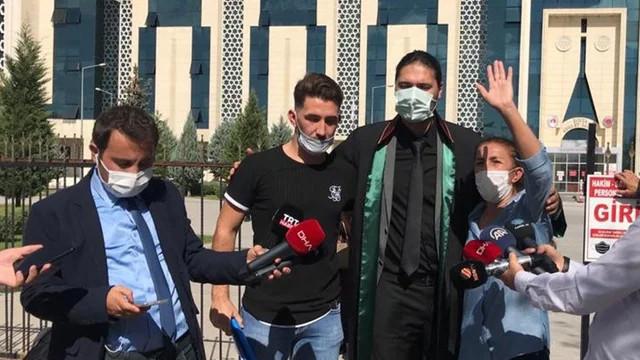 Özgür Duran'ın annesi: Benim çocuğum sokak ortasında ölümü hak etmemişti